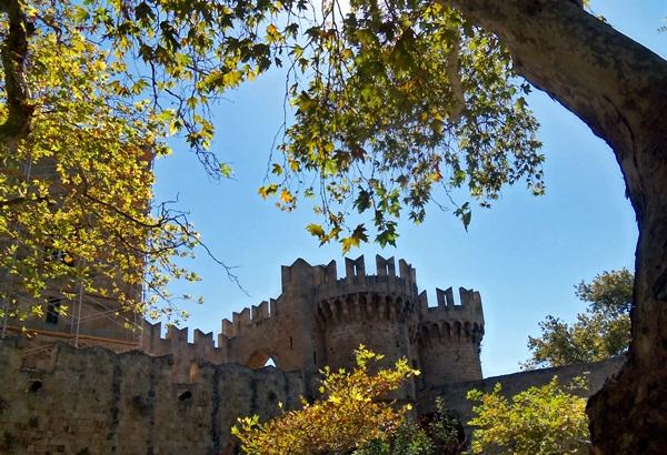 Μεσαιωνική Πόλη της Ρόδου: Η γοητεία του παρελθόντος