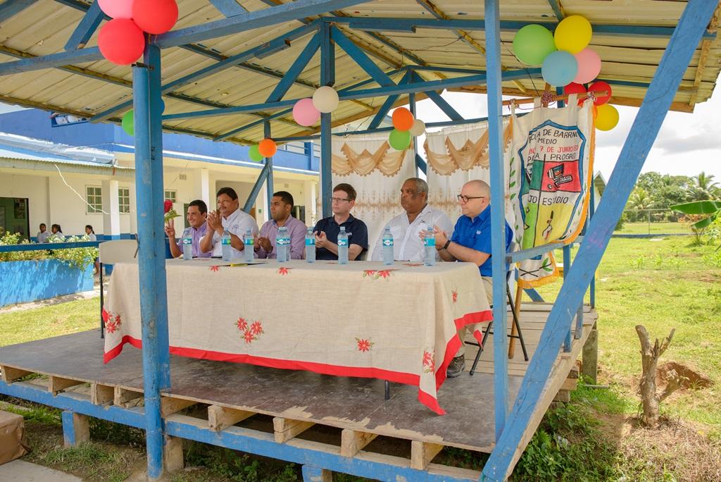 Δωρεά της Chiquita στο σχολείο Barranco Medio στο Bocas del Toro