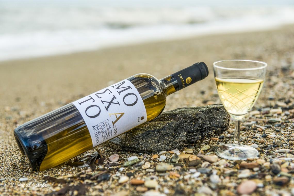 Μοσχάτο Άσπρο:  Νέο ξηρό κρασί  από τον ΕΟΣ Σάμου
