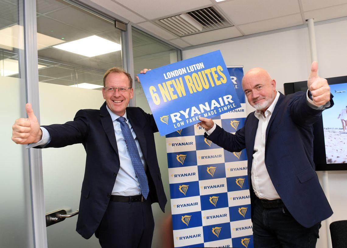 Ryanair: Νέο δρομολόγιο από την Αθήνα προς το Λονδίνο Λούτον