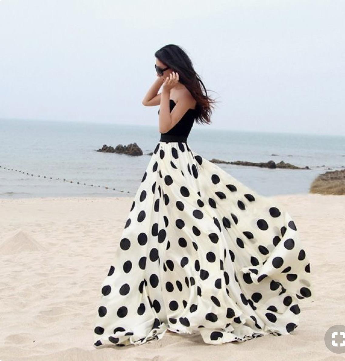 Φούστες αγαπημένες! Προτείνει η Νανά Κοντού