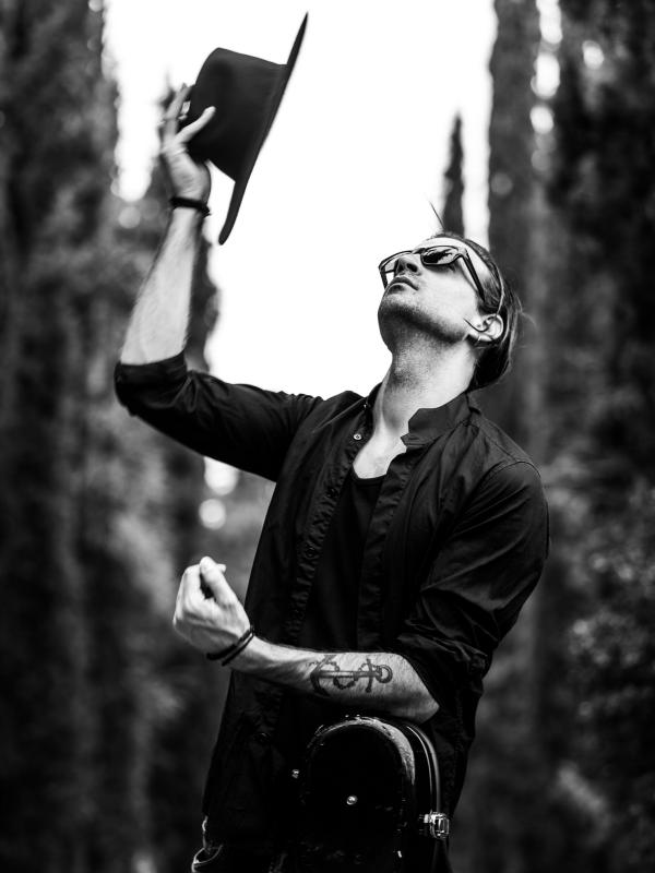 ΝΙΝΟ: Πρωταγωνιστής σε μια μοναδική οπτικοακουστική τριλογία