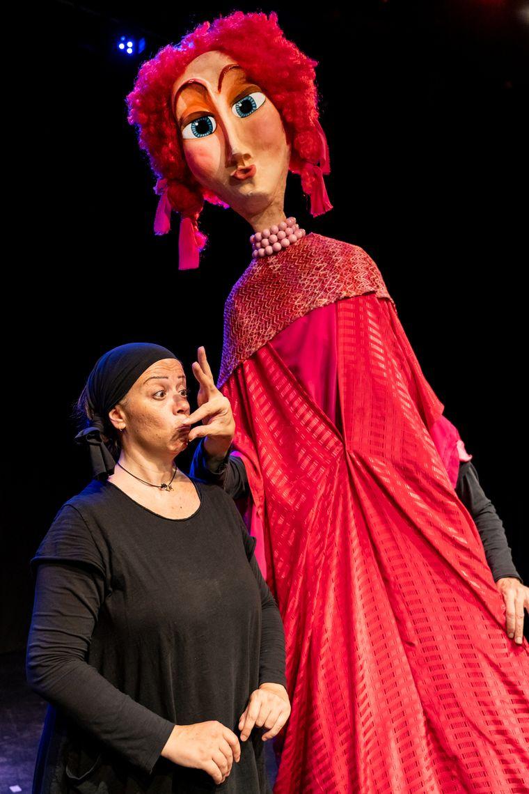 """Οι Redicolo ανεβάζουν την παράσταση κουκλοθεάτρου """"Ο Κύκλος με την Κούκλα"""""""