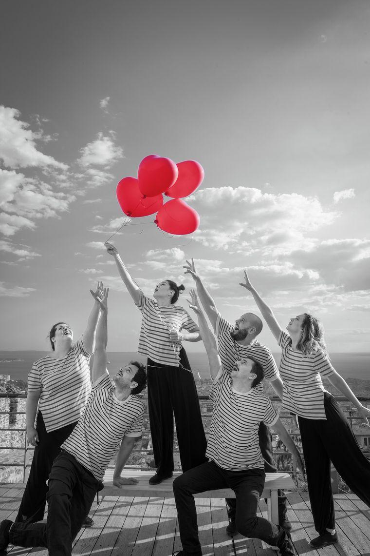 Τελευταίες παραστάσεις για το έργο «Το τρελό μικρό πράγμα που ονομάζεται Έρωτας» στο Θέατρο Σοφούλη