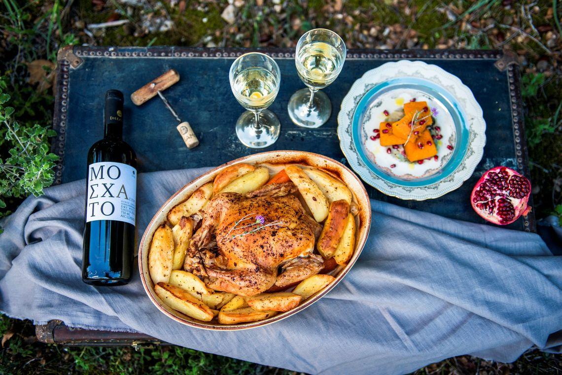 Ελληνικά Κελλάρια:  Η πλούσια γκάμα των κρασιών της στολίζει τα γιορτινά τραπέζια!