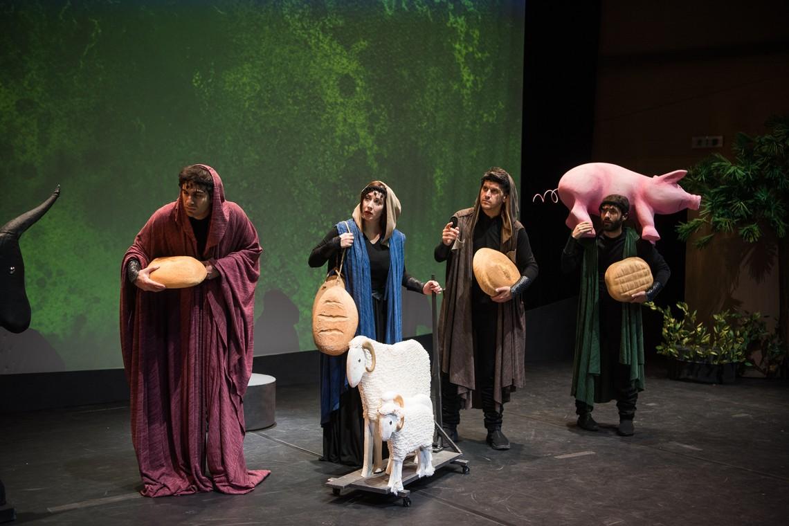 """""""Ο Θησέας και ο Μινώταυρος"""" της Κάρμεν Ρουγγέρη σε καλοκαιρινή περιοδεία"""