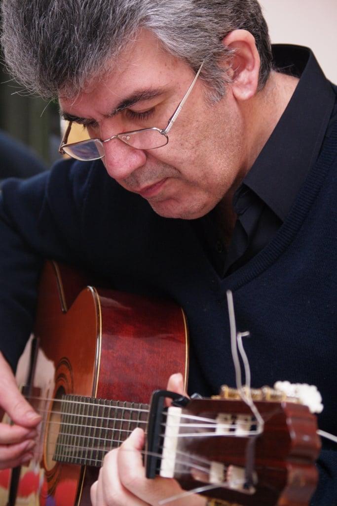 Ο Σάκης Νεγρίν μας μιλάει για «σκιές» με αφορμή το ομότιτλο νέο του CD